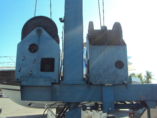 HYDRAULIC WINCH TRAVE LIFT. LIFT TRUCK. MARINE LIFT. RETROFIT. MAINTENANCE. MOTOREP..JPG